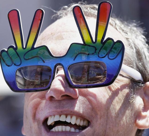 USA, festeggiamenti dopo sentenza Corte Suprema su nozze gay