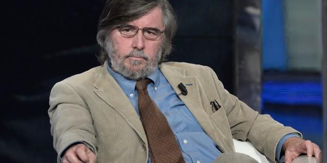05/12/2010 Roma. Rai, trasmissione televisiva Porta a Porta, nella foto il giornalista Piero Sansonetti