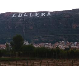 L'enorme scritta che segnala il piccolo centro di Cullera (Spagna)